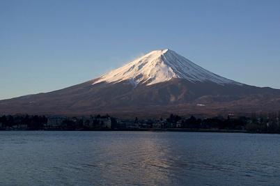 mt-fuji-at-sunrise-from-lake-kawaguchi